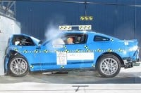 Video: 2012 Ford Mustang Crash Tests