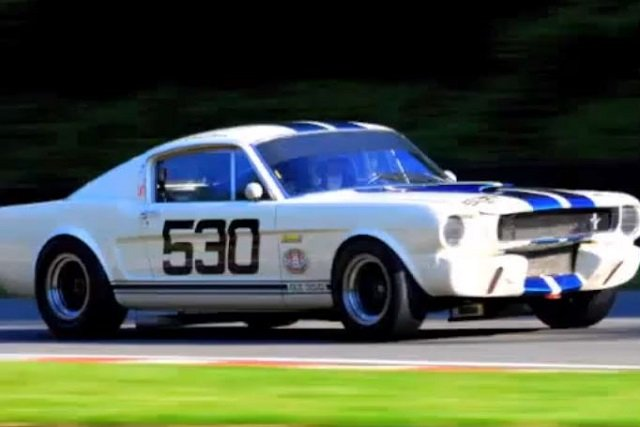 Video: Craig Davies Flogs His Shelby GT350 On English Race Track