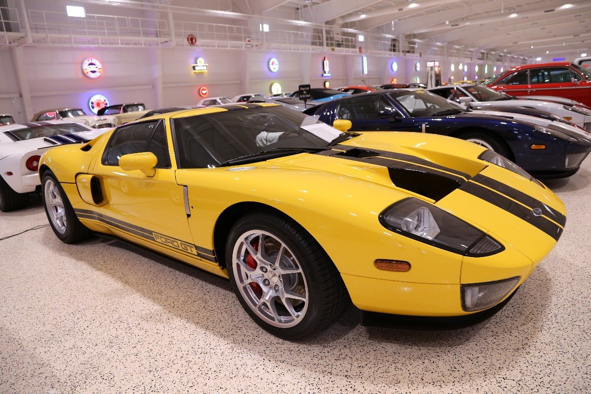 American-Muscle-Car-Museum-Tour-8742006-Ford-GT