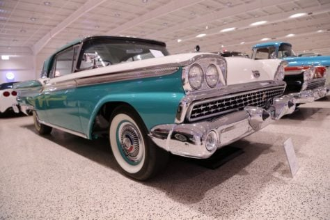 American-Muscle-Car-Museum-Tour-0181959-Fairlane-Galaxie-Skyliner