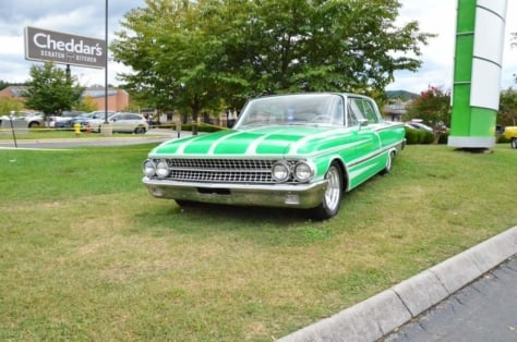 cruisin-the-strip-ford-style-in-pigeon-forge-0021