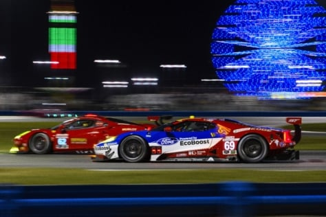 Ford-GT-Races-IMSA-Daytona-1536o