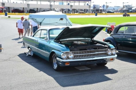 fords-invade-the-charlotte-auto-fair-0309