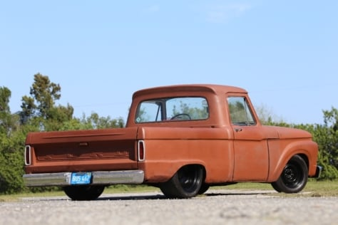 36-Taylor-Swift-Coyote-F100-Feature