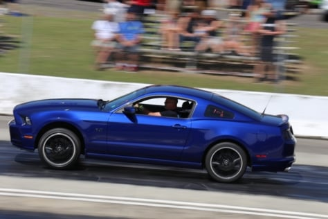 fans-swarm-mustang-weeks-new-drag-racing-venue-0036