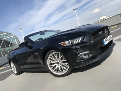 droptop-driving-on-the-other-side-of-the-road-in-a-mustang-gt-0015